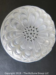 Collectable: Art: Lalique Frosted Glass Covered Box