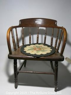 Furniture: Chair: Wood: Spindle: w/seat pad