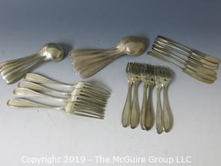 Collectible: Silver: Collection of sterling flatware - all same pattern; 826g