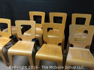 Thaden Jordan set of 7 ½ Chairs
