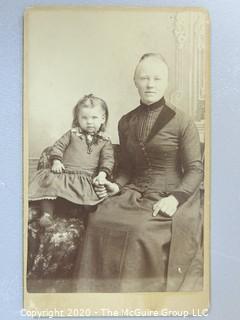 Cartes-de-Visite CDV Antique Cabinet Photo Card - Mother and Child  Identified as Gertrude Minnie Jacobsen & Maggie Larsen