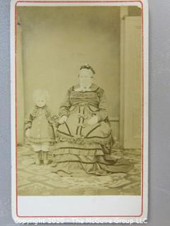 Cartes-de-Visite CDV Antique Cabinet Photo Card - Mother and Child Post Mortem, Stand Visible