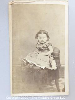 Cartes-de-Visite CDV Antique Cabinet Photo Card - Small Girl Photographer Saylor's New Photograph Gallery Reading PA