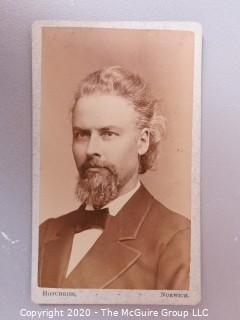 Cartes-de-Visite CDV Antique Cabinet Photo Card - Gentleman,  Photographer A.E. Hotchkiss, Norwich NY