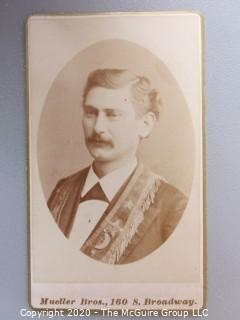 Cartes-de-Visite CDV Antique Cabinet Photo Card - Man -    Mueller Brothers Photographers, Baltimore, MD