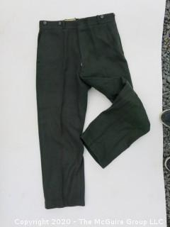 Medium Sized Vintage Woolrich Wool Green Hunting Pants or Trousers. Snall Tear at Seam Near Pocket.