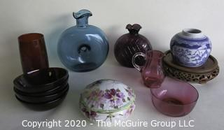 Group of Decorative Items in Glass and Porcelain.