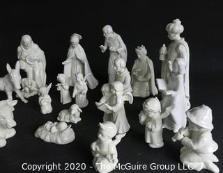 Set of Goebel Hummel 1951 White Porcelain Nativity or Creche Scene.   Mary has damage to her halo.