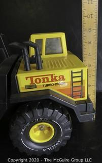 Vintage Classic Tonka Pressed Tin Tow Truck.