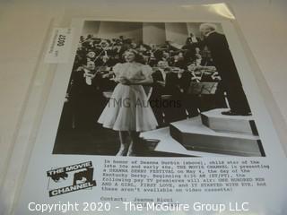 Photo: Print: Press Release: Vintage Movie: Deanna Durbin singing
