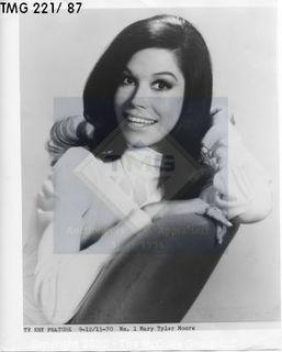 Photo: Print: Press Release: Vintage TV Show: Mary Tyler Moore