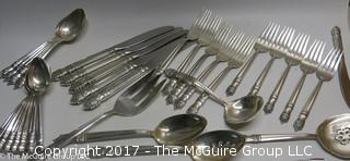 Towle Sterling Flatware (1132 g) plus knives