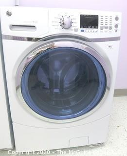 "27"" x 27"" x 40"" White Front Load Kenmore Washing Machine - Room 20 Kitchen {marked lot 73}"