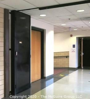 Metal Hallway Folding Security Door and Framework