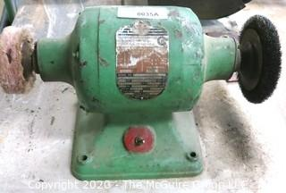 Rockwell Commercial Grade Buffer/Grinder Table Top Unit