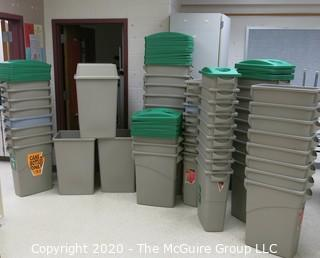 LARGE ASSORTMENT OF PLASTIC CAN RECYCLING BINS W/LIDS (CLEAN)