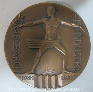 "Official Commemorative 1933 World's Fair Bronze Medal: ""Century of Progress""; Chicago International Exposition: Research & Industry; designed by Zettler"