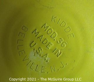 Vintage Yellow Soda King Siphon Bottle Designed by Norman Bel Geddes for Walter Kidde Sales Co. Inc., Bloomfield, NJ