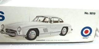LARGE Car Model Kit  New in Box Made by Entex of a 1955 Mercedes 300sl Gullwing Coupe 11227 1/16