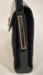 Authentic Vintage Gucci Black Leather and Suede Shoulder Bag, Made in Italy.  Some wear to adjustable shoulder strap.