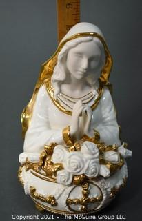Fine Porcelain Ave Maria Music Box made by The Franklin Mint