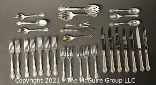 Sterling Silver 31 Piece Flatware Set of Modern Victorian by Lunt.  Scale weight of 1030 g taken without dinner knives.