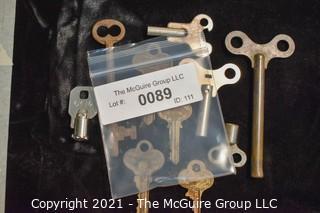 Collection of assorted vintage keys