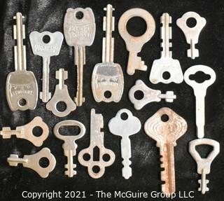 Collection of vintage keys including flat steel