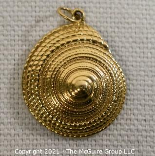 "14 Kt Gold Shell Charm or Pendant.  Measure approximately 1"" in diamter and weighs approximately 3.7 gr.  Not marked but tested as 14kt"