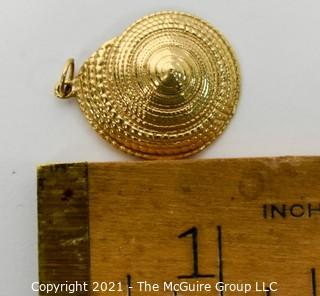 """14 Kt Gold Shell Charm or Pendant.  Measure approximately 1"""" in diamter and weighs approximately 3.7 gr.  Not marked but tested as 14kt"""