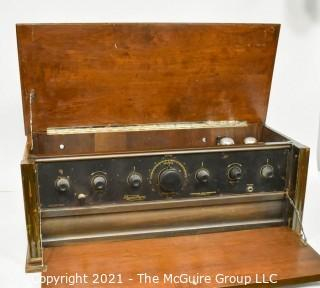 Collectible: Radio: circa 1925 Thermiodyne radio receiver (Untested) looks clean and complete.