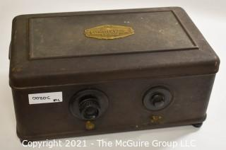 """Collectible: Radio: Atwater-Kent #42 """"Bread-box"""" radio receiver w/7-tubes (untested) clean and looks complete"""