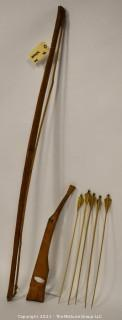 Collectible: Militaria: Vietnam Era: large Montagnard hand-made crossbow and 5 arrows.