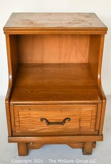 """Vintage 1970s Maple Tiered Bedroom Nightstand Made By Sumter Cabinet Company.  Measures 26""""T x 20""""W x 19""""D"""