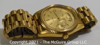 Men's Jules Jurgensen Presidential Day & Date Quartz Watch in Gold Tone Case and Band.