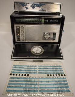 Vintage Transistor Radio Zenith Trans Oceanic D7000Y w/ pivoting base