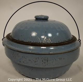 "Vintage Primitive Farmhouse Cornflower Blue Salt Glazed Stoneware Cookware Bowl with Lid and Metal Handle.  Measures 13"" Diameter. (TMG re-numbered)"