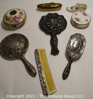 Group of Vintage Vanity Items.