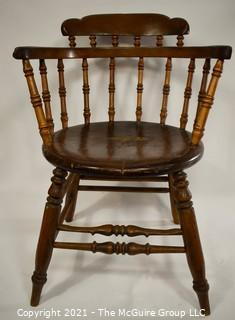 18th Century Antique Windsor Chair With Extended Arms