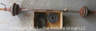 Set of free weights and lifting bar