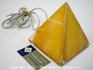 Pyramid Form Table Lamp (untested)