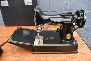 Singer 3-120 Featherweight Sewing Machine with Portable Folding Utility Table