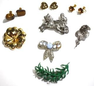 Group of Vintage Costue Jewelry Pieces.