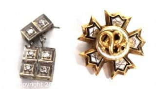Vintage Tau Sigma Nu Epsilon Enamel & Gold Fraternity Pin and White Gold Link with Gem Stones. Total weight 4.8 g.