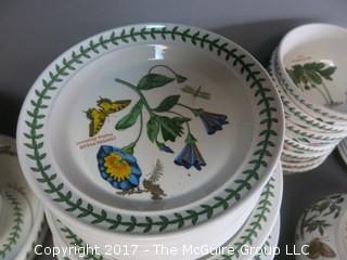 Botanical motif dinnerware - 88 pieces