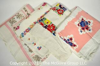 Group of Vintage Mid Century Printed Table Linens.