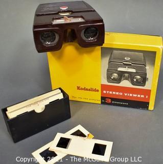 Vintage Kodak Kodaslide Stereo Viewer in Box with Slides.