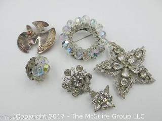 Collection of brooches -#1328