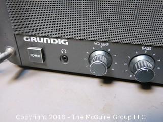 Grundig Short Wave Radio; Satellit 800 Millenium; in working order