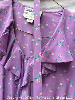 Vintage Diane von Furstenberg Silk Size 10 Long Sleeved Flower Pattern Dress with Belt